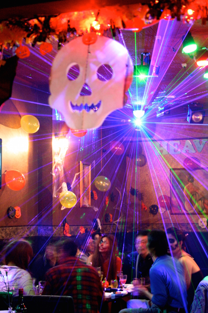 写真は10/31、11/1 に開いたハロウィンパーティ